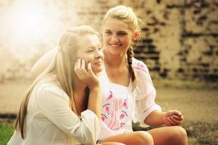 blond-friends-happy-55811 (1)