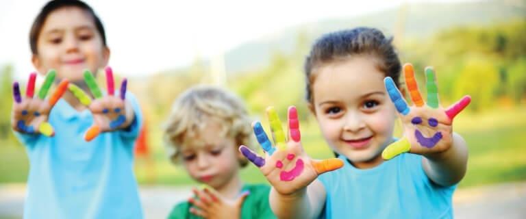 finger-paint-little-ones-kiddos-kids-preschool-preK-768x512-338718-edited.jpg